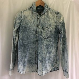 Gap acid wash chambray top xs button down